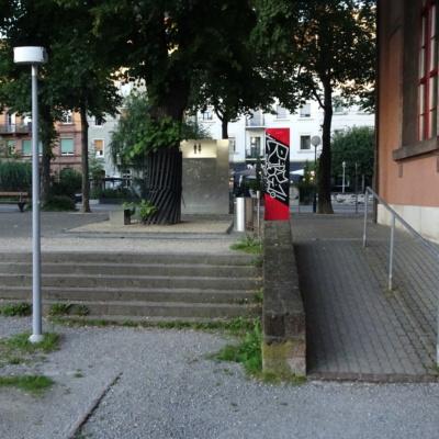 Symbolbild zum Stadtrundgang, Treppe nebne Rampe
